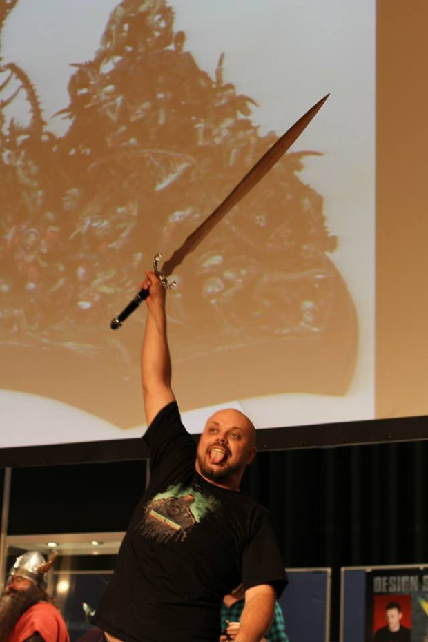 Roman Lappat, luciendo espada